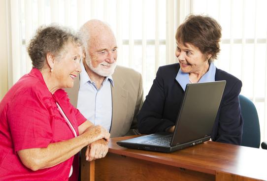 insurance salesperson  10 Insurance Sales Tips Every Successful Broker Employs - Blitz ...